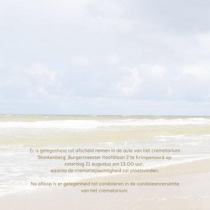 Mooie rouw- of bedankkaart met strand, lucht en zee 2