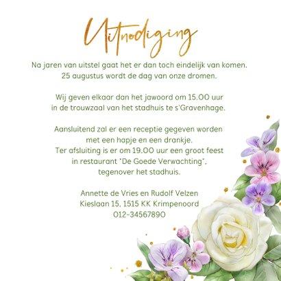 Mooie trouwkaart met rozen en andere bloemen 3
