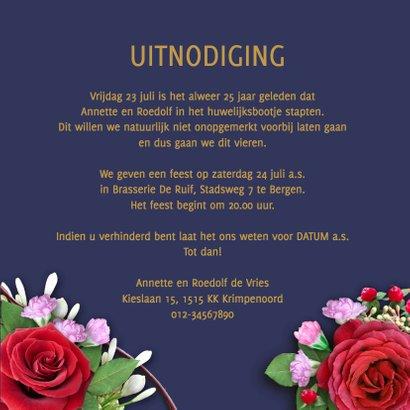 Mooie uitnodiging rozen op blauwe achtergrond 3
