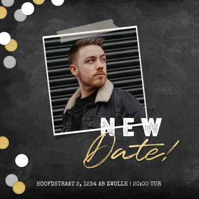 New Date uitnodigingskaart krijtbord en confetti 2