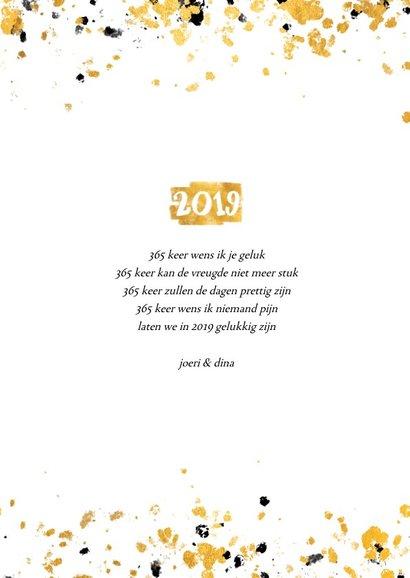 Nieuwjaarskaart gouden vlak '2019' confetti 3