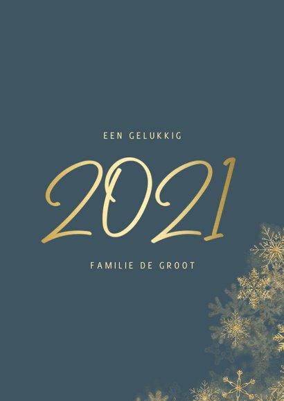 Nieuwjaarskaart grote foto met sneeuwkader en gouden 2021 3