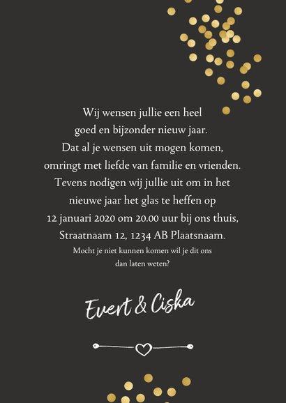 Nieuwjaarskaart met gouden confetti en evt. uitnodiging 3