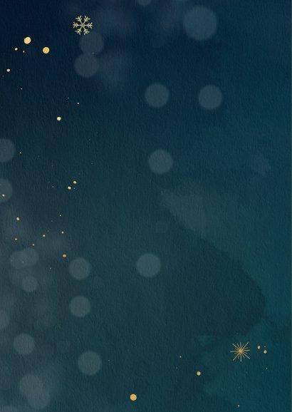Nieuwjaarskaart met gouden sneeuwvlokken 2