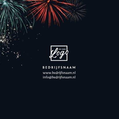 Nieuwjaarskaart met vuurwerk en foto 2
