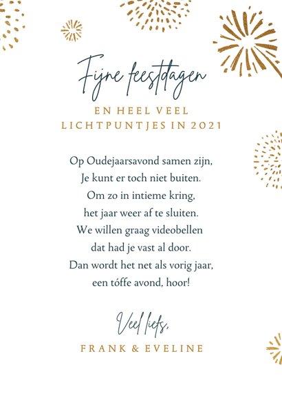 Nieuwjaarskaart vuurwerk goud 2021 foto lichtpuntjes 3