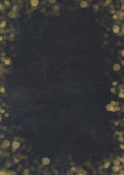 Nieuwjaarskaart zwart met goud en 2 eigen foto's Achterkant