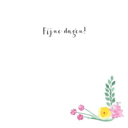 Paaskaart met cirkel van bloemen en blaadjes 3