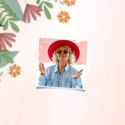 Pensioenkaart hoera met kleurrijke bloemen 2