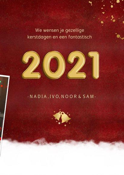 Rode fotocollage kerstkaart met jaartal 2021 stijlvol 3