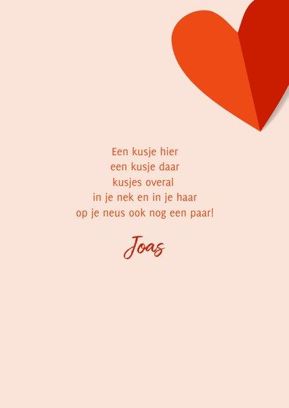 Romantische valentijnskaart met rood oranje hartjes 3