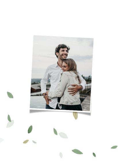 Save te date trouwkaart eco blaadjes stijlvol hartjes 2