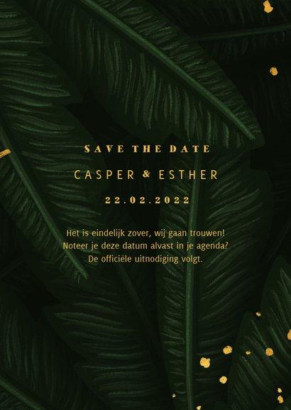 Save the date kaart jungle bladeren met gouden 'save' 3