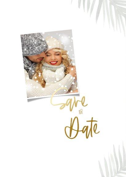 Save the date kerstkaart met groene waterverf en confetti 2