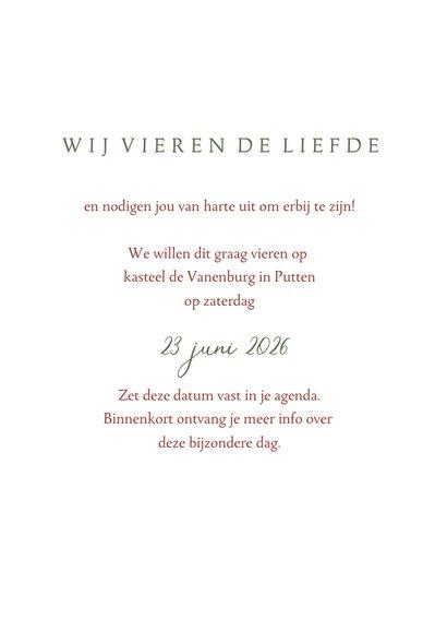 Save the datekaart met roze rode waterverf bloem en takjes 3