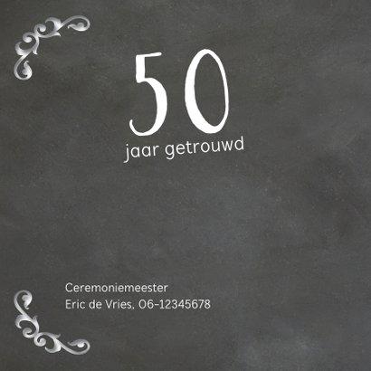 Sierlijke krijtbord uitnodiging 50 jaar getrouwd 2