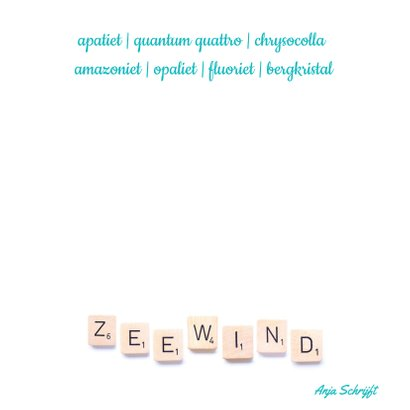 Spreukenkaart zeewind met letters schelpen en edelstenen 2