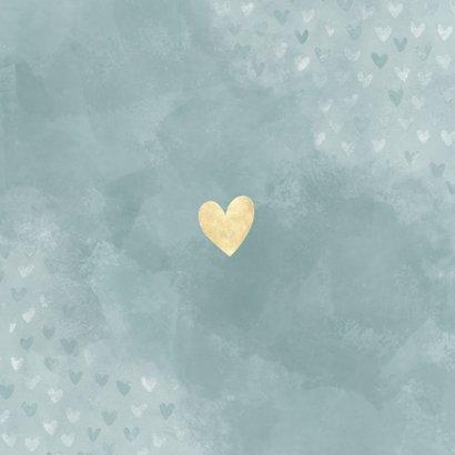 Stijlvol geboortekaartje jongen blauwe waterverf en hartjes Achterkant
