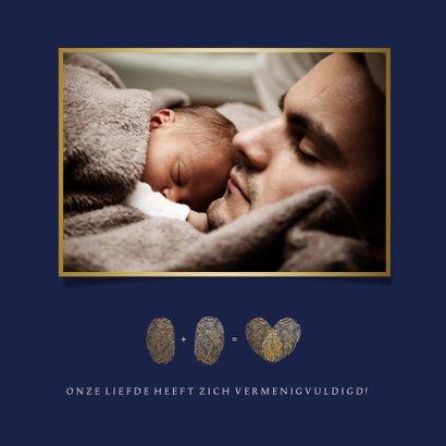 Stijlvol geboortekaartje jongen met hart uit vingerafdrukken 2
