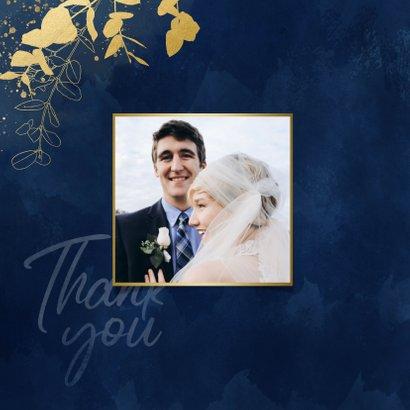 Stijlvolle bedankkaart blauwe waterverf en gouden planten 2