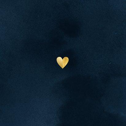 Stijlvolle kerstkaart kerstknuffel hart van goud donkerblauw Achterkant