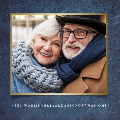 Stijlvolle klassieke verjaardagskaart met gouden leeftijd 65 2