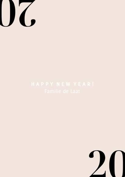 Stijlvolle nieuwjaarskaart met champagne en 2020 3
