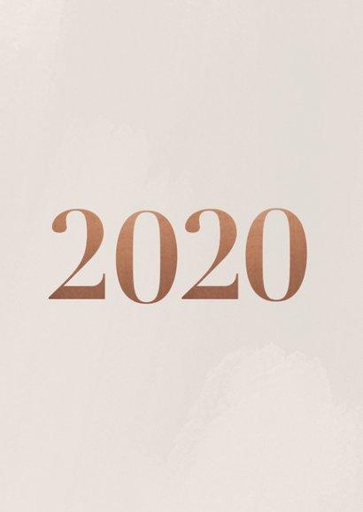 Stijlvolle nieuwjaarskaart met fotocollage en 2020 2