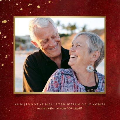 Stijlvolle rode uitnodigingskaart 50 jaar getrouwd met goud  2