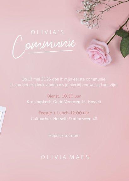 Stijlvolle roze communie uitnodiging met polaroids en rozen 3