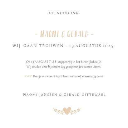 Stijlvolle simpele vierkante uitnodiging huwelijk met hartje 3