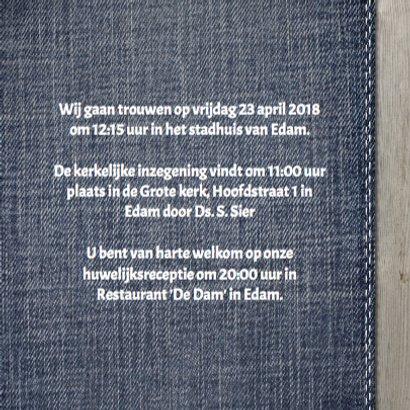 Stijlvolle trouwkaart met hout  en jeans design 3