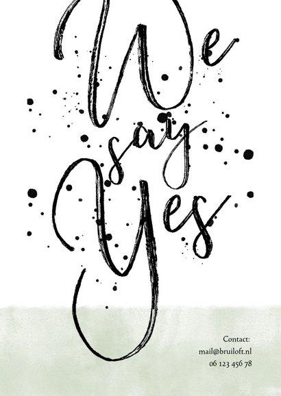 Stijlvolle trouwkaart met typografie, waterverf en spetters 2