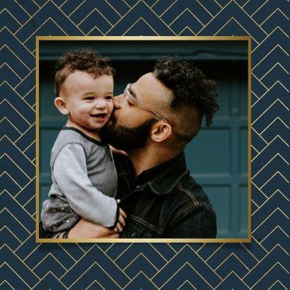 Stijlvolle vaderdag kaart met foto, blauw en gouden patroon 2