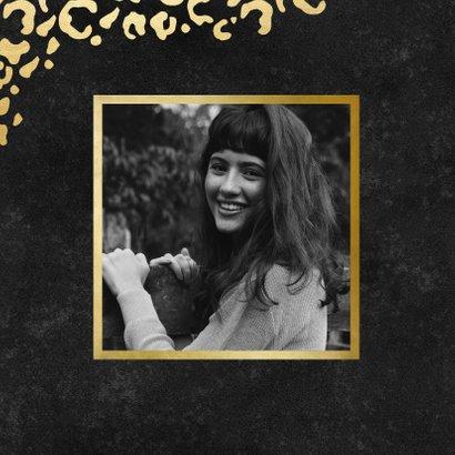 Stijlvolle verjaardagskaart gouden panterprint & folieballon 2