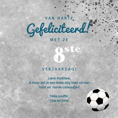Stoere felicitatiekaart voor een jongen met beton en voetbal 3
