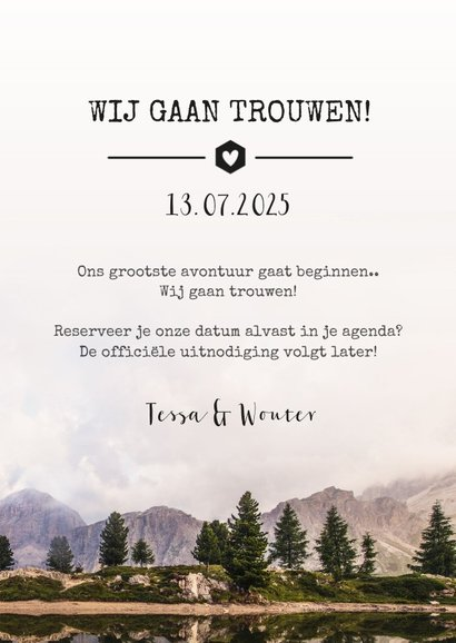 Stoere Save the Date kaart met een berg landschap en datum 3