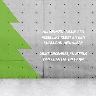 Stoere vierkante kerstkaart met neon letter 3