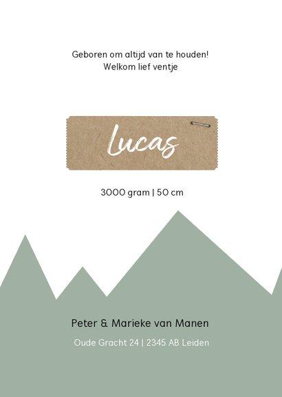 Trendy geboortekaartje groene bergen en kraft label 3