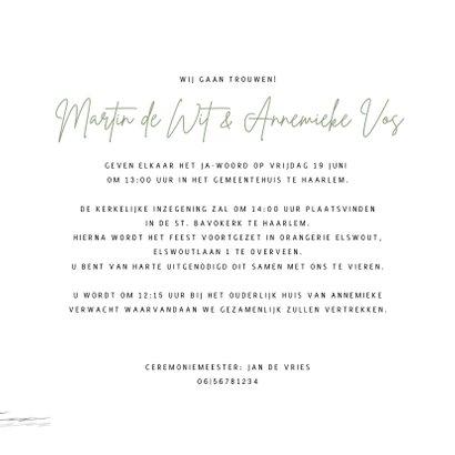 Trouwkaart bruidspaar in trouwauto 3