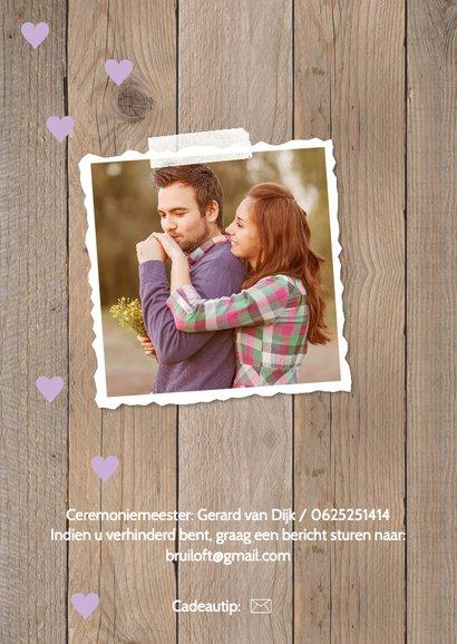 Trouwkaart foto hout look hartjes paars 2