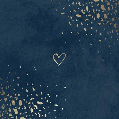 Trouwkaart foto 'Mr & Mrs' donkerblauw met terrazzo patroon Achterkant