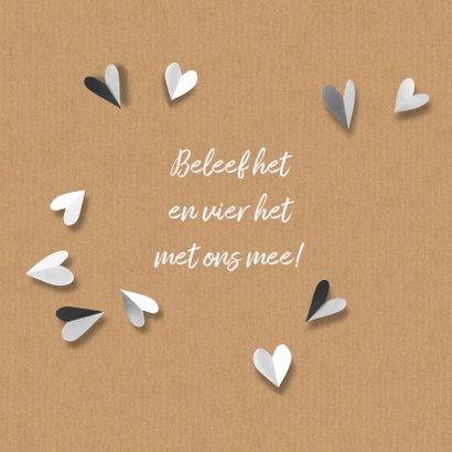 Trouwkaart hart van gevouwen zwart wit hartjes 2