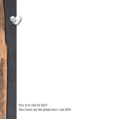 Trouwkaart hout krijt en hartjes 2