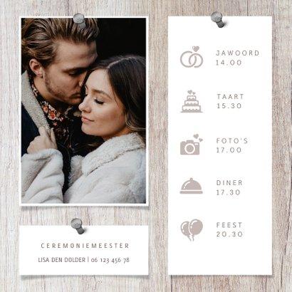 Trouwkaart hout met foto's en spijkers 2