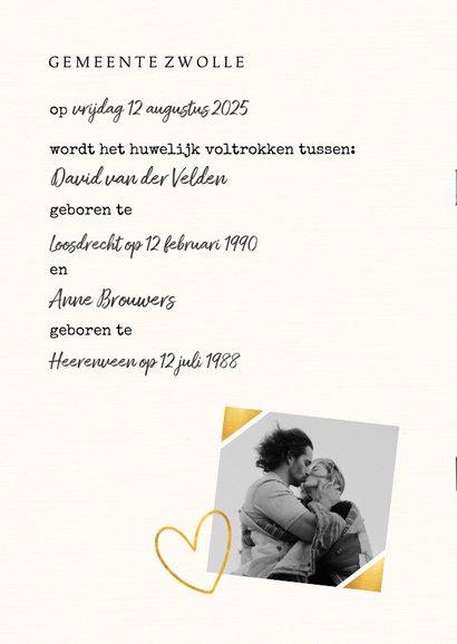 Trouwkaart in trouwboek vorm met bruine kaft 2