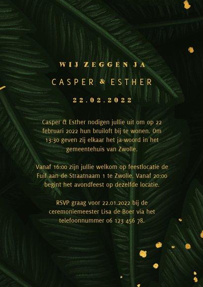 Trouwkaart jungle bladeren met foto en gouden 'wedding' 3