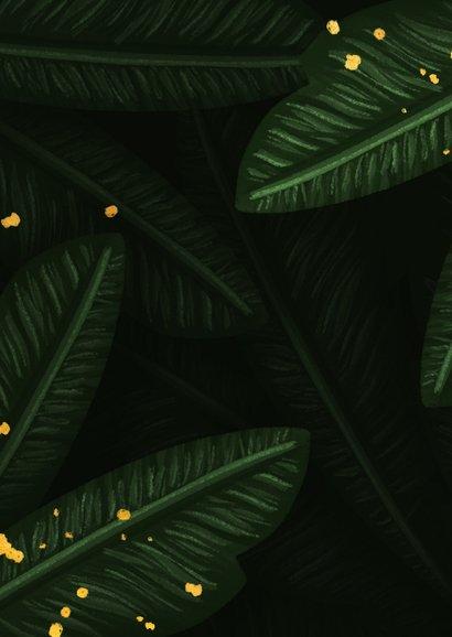 Trouwkaart jungle bladeren met foto en gouden 'wedding' Achterkant