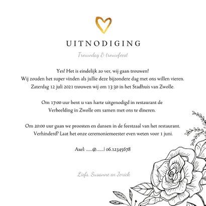Trouwkaart klassiek met bloemen, goud en eigen foto 3