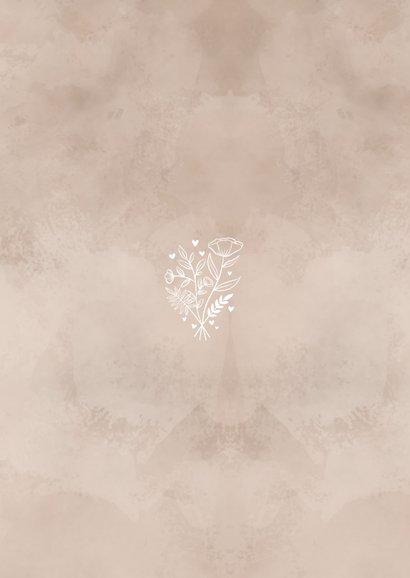Trouwkaart naturel waterverf achtergrond, wit bosje bloemen Achterkant